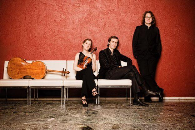 Van Baerle Trio concert bij kaarslicht Tienhoven klassiek kamermuziek pianotrio Mozart Beethoven Schumann